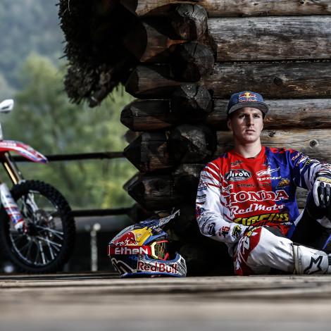 Cliente: RedBull Italia – Rider: Giacomo Redondi